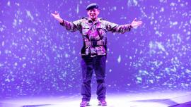 Sukrim Rai en el escenario de Campo Minado (Minefield)